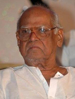 """Bapu (film director) - Bapu when conferred with the """"Vishwa Vikhyata Dharshaka Maharshi"""" award"""