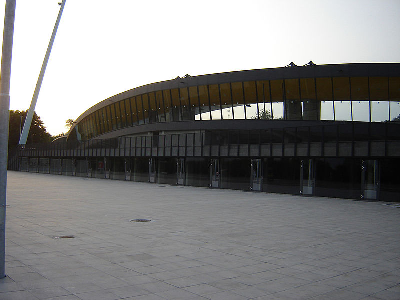File:MBstadion.JPG