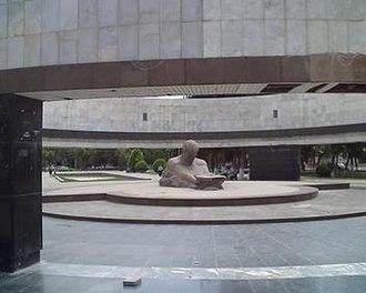26 Commissars Memorial - The 26 Commissars Memorial in Baku before its demolition in January 2009.