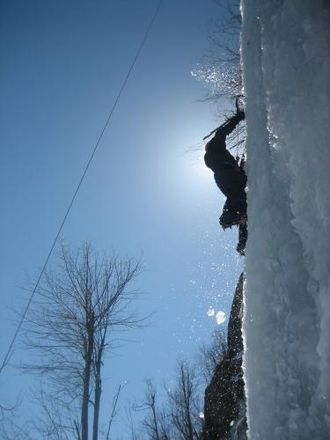 Ice climbing - Top-roping.