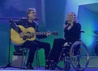 Nespáľme to krásne v nás song performed by Marika Gombitová, Miroslav Žbirka