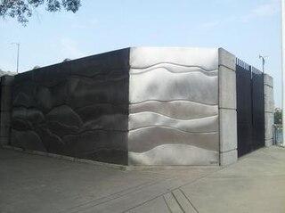 <i>Sculpture Stage</i>