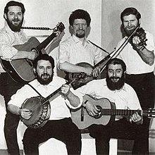 Ciarán Bourke, Luke Kelly, John Sheahan Barney McKenna, Ronnie Drew