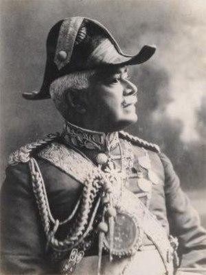 Maha Mudaliyar -  Sir Solomon Dias Bandaranike, Head Mudaliyar (1895–1928) in formal uniform.
