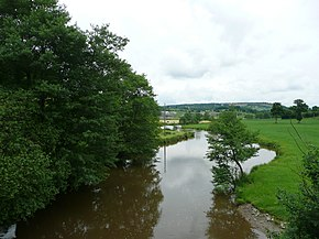 Vire River looking South from the 'Pont' in Pont-Farcy towards Sainte Marie Outre L'Eau (27 May 2008).jpg