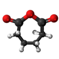 Adipic anhydride3D.png