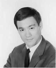 بروس لی یکی از بزرگترین رزمی کاران تمامی اعصار و فوق ستاره سینما