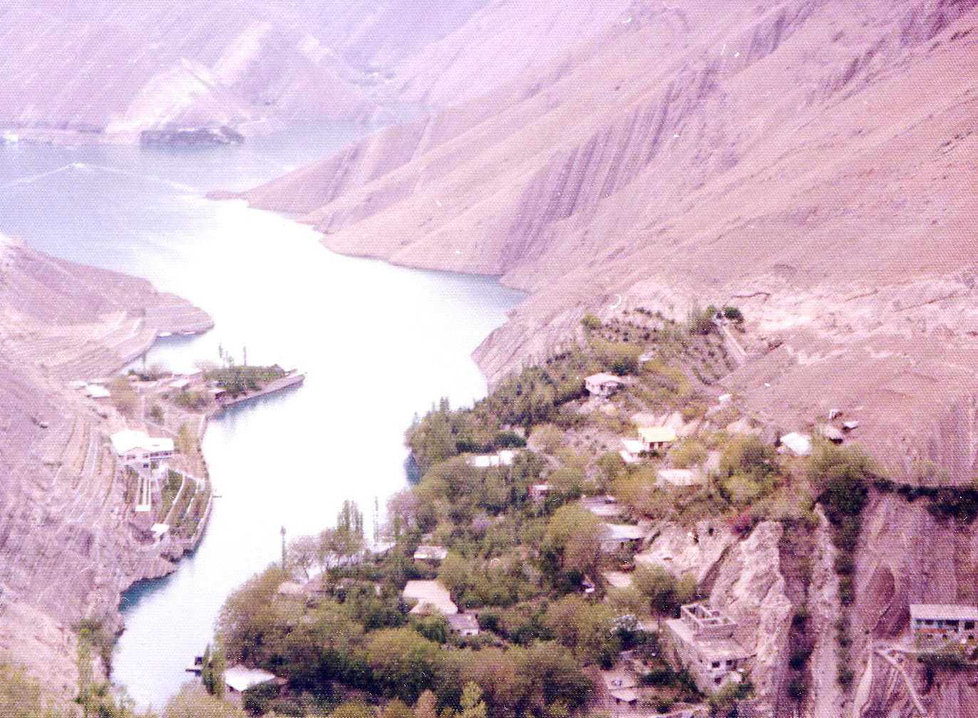 نتیجه تصویری برای روستای واریان