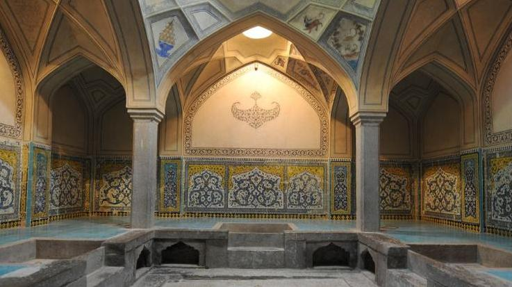 پرونده:Ali gholi agha bathroom.JPG