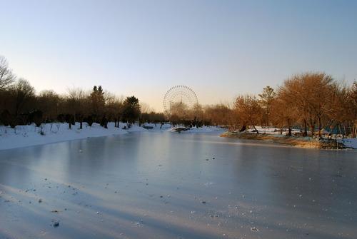 پرونده:Mellat-park-mashhad-05.jpg
