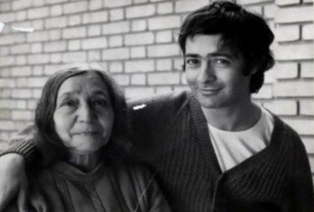 احمدرضا احمدی و مادرش