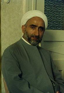 http://upload.wikimedia.org/wikipedia/fa/thumb/1/18/Imam-Mohagheghi.jpg/220px-Imam-Mohagheghi.jpg