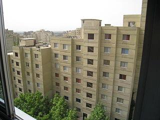 Shahrak apadana building.jpg