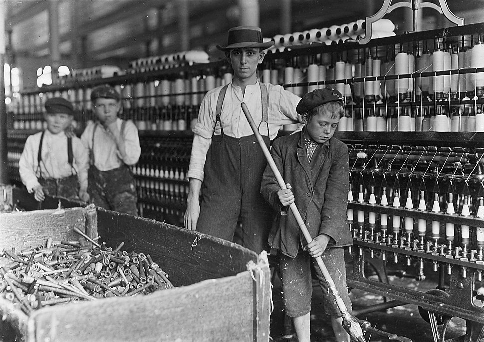 Sweeper-and-doffer-in-cotton-mill