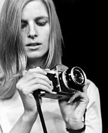 Linda mccartney with camera photograph.jpg