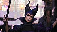 Maleficent-DESANDENTS.JPG