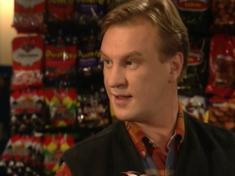 Ismo Laitelan ensiesiintyminen sarjan toisessa jaksossa vuonna 1999.