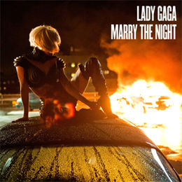 "Singlen ""Marry the Night"" kansikuva"