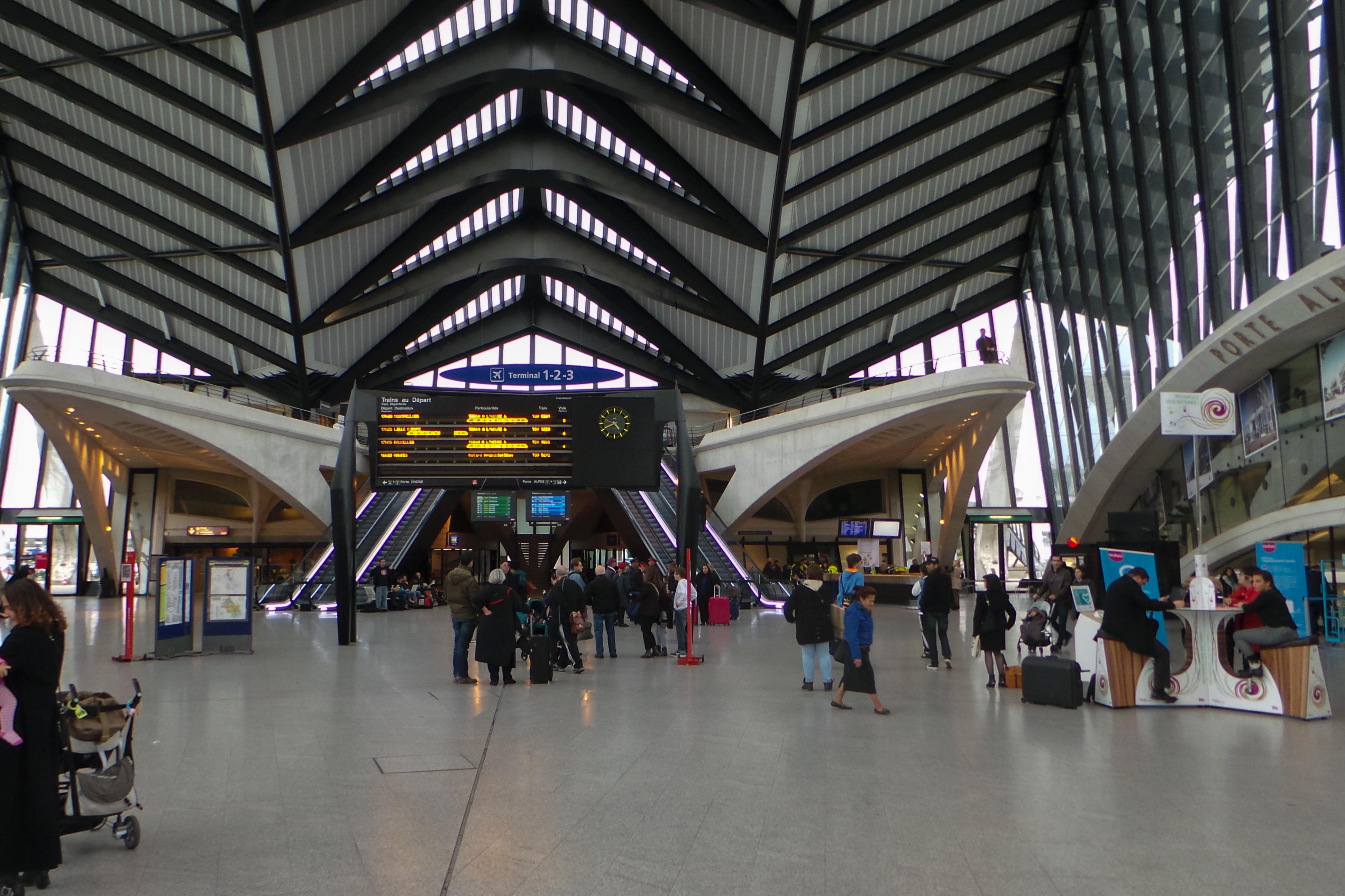 Fichier gare de lyon saint exupery 20131101 for Plan interieur gare montparnasse