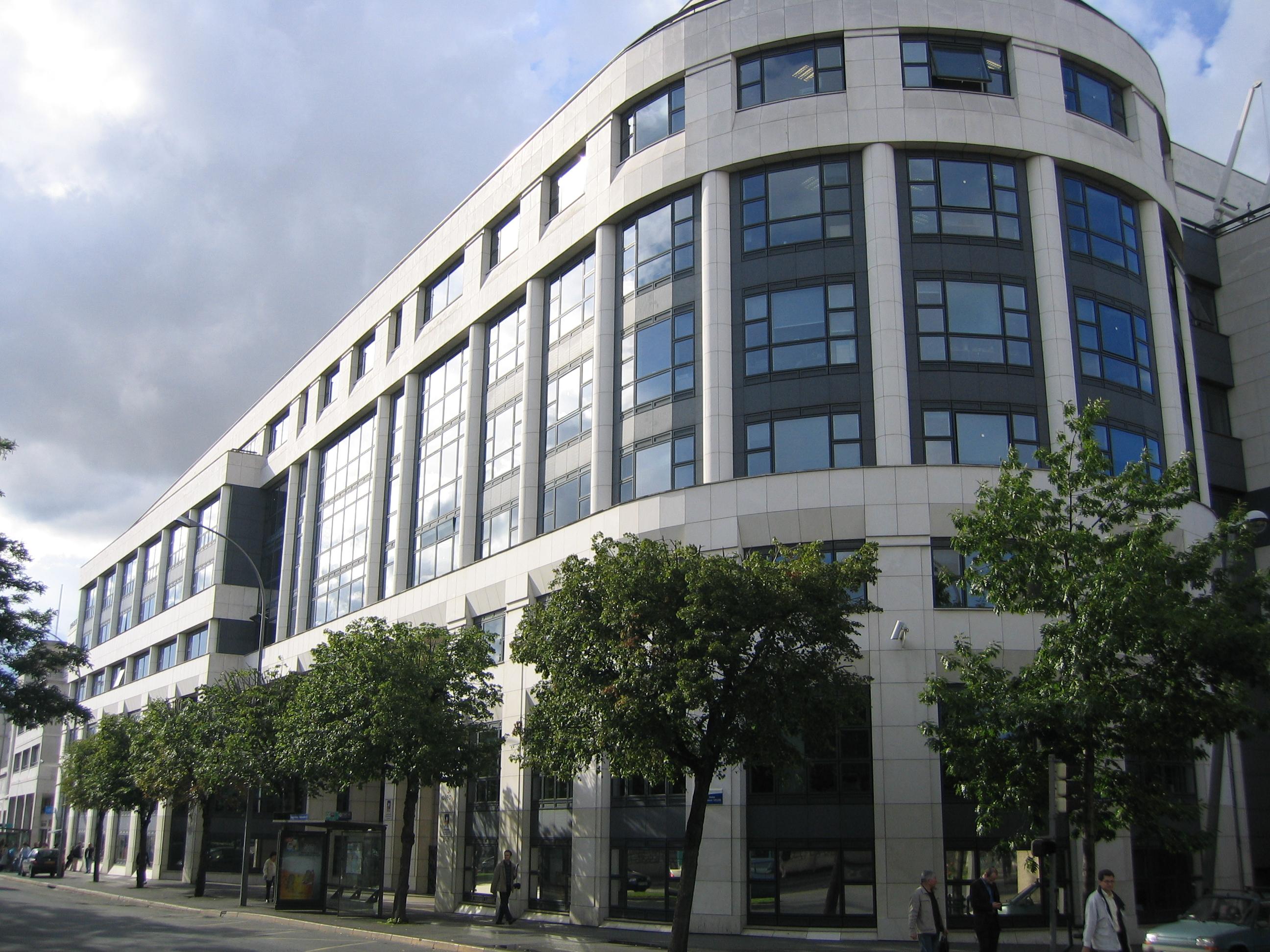 Fichier batiment abritant l 39 afssa et l 39 oseo maisons alfort for Architecte des batiments de france versailles