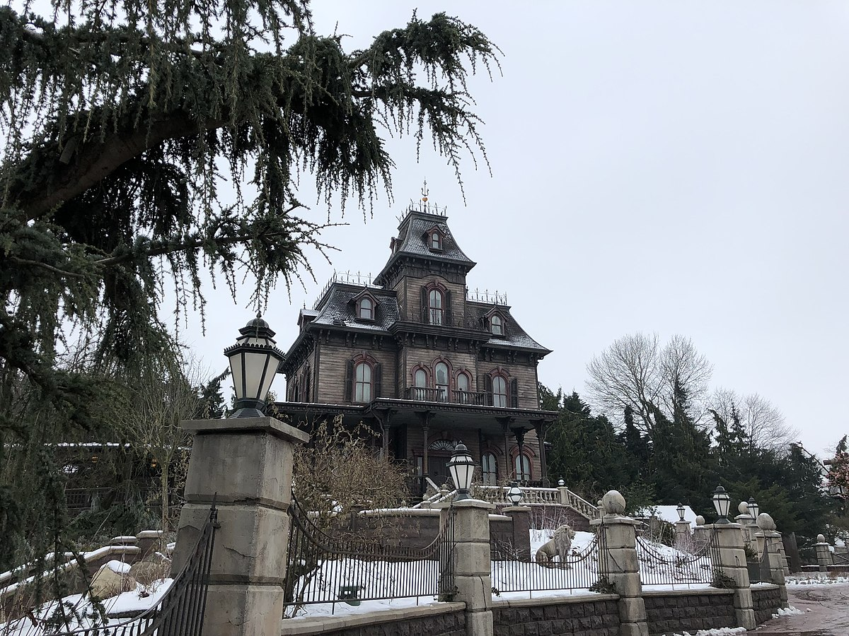 Phantom Manor — Wikipédia