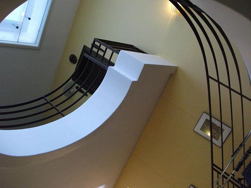 Fichier:Villa douce escalier 199.JPG