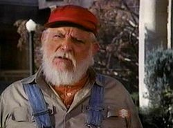 Denver Pyle yn syn rol fan omke Jesse yn The Dukes of Hazzard.