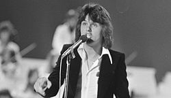 Nationaal Songfestival 1975 - Albert West (bysnien).jpg
