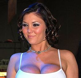 Claire Dames at AVN Adult Entertainment Expo 2008 (bysnien).jpg