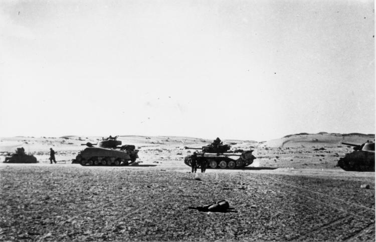 קובץ:82nd Armored Battalion During Operation Horev.jpg