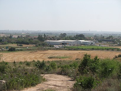 How to get to טירת יהודה with public transit - About the place