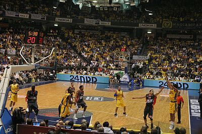 Maccabi Tel Aviv vs. Le Mans 6.11.08 at Nokia Stadium.jpg