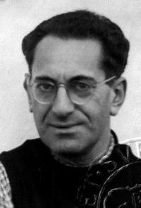 Fritz Bauer Passfoto Sweden 1943.jpg