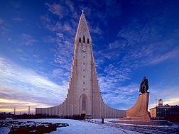 Hallgrimskirkja transposed.jpg