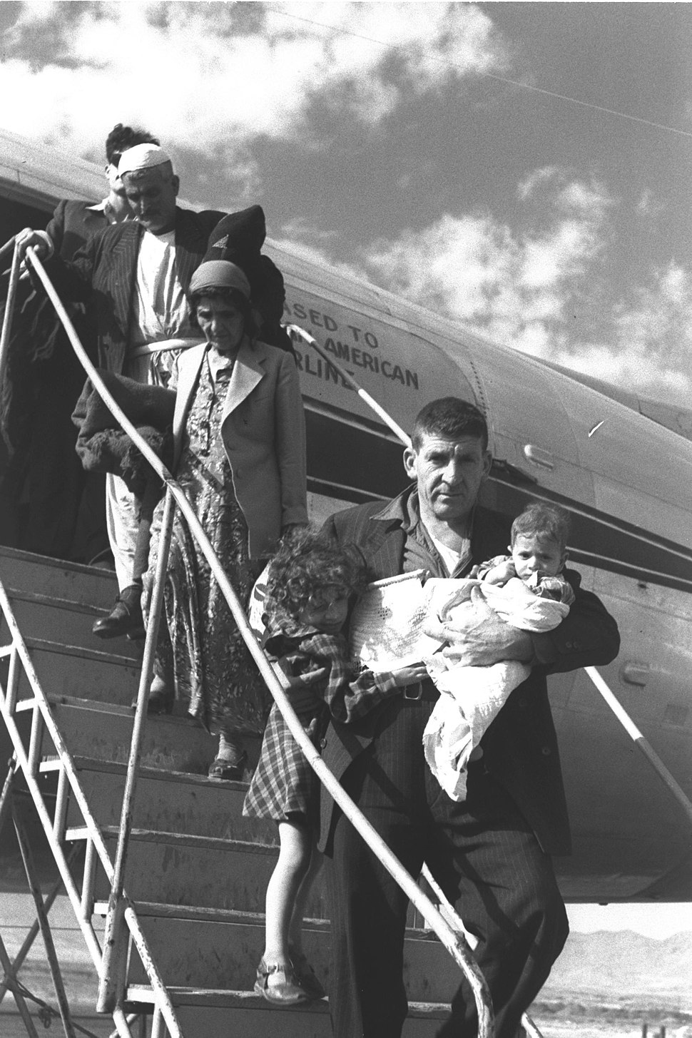 IMMIGRANTS FROM IRAQ ARRIVING AT LOD AIRPORT