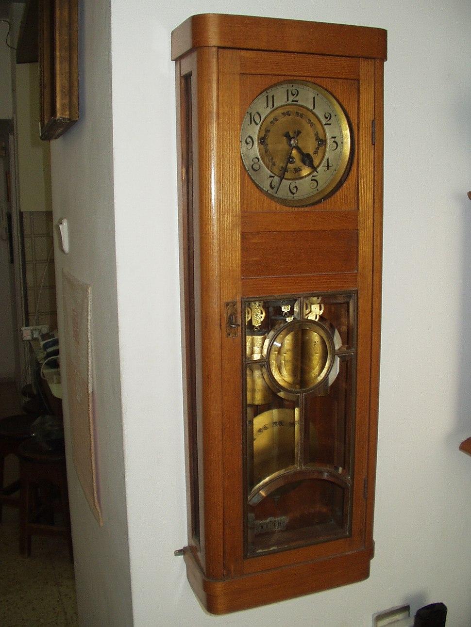 GB clock 001