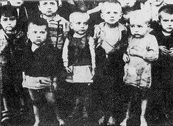 http://upload.wikimedia.org/wikipedia/he/thumb/5/5a/Jasenovac6.jpg/250px-Jasenovac6.jpg