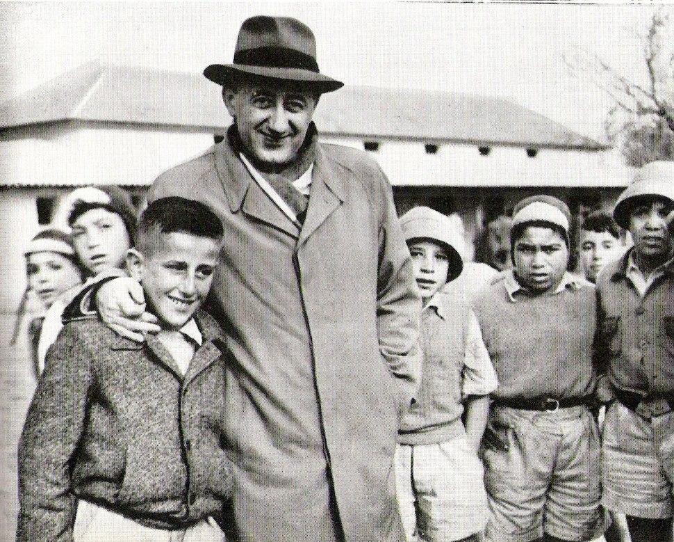 Moshe Kol Aliyat Hanoar ca1951
