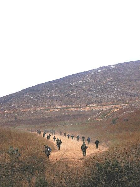 צנחני מילואים בכניסה רגלית ללבנון