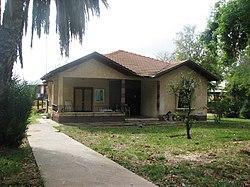 מבנה מגורים טיפוסי ביישוב