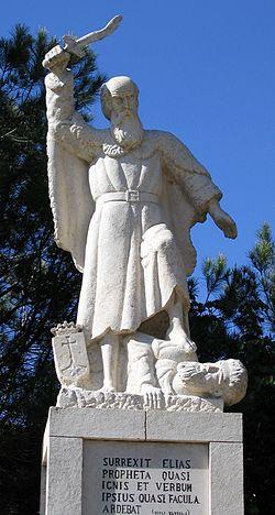 פסל של אליהו הנביא מנזר קרן הכרמל