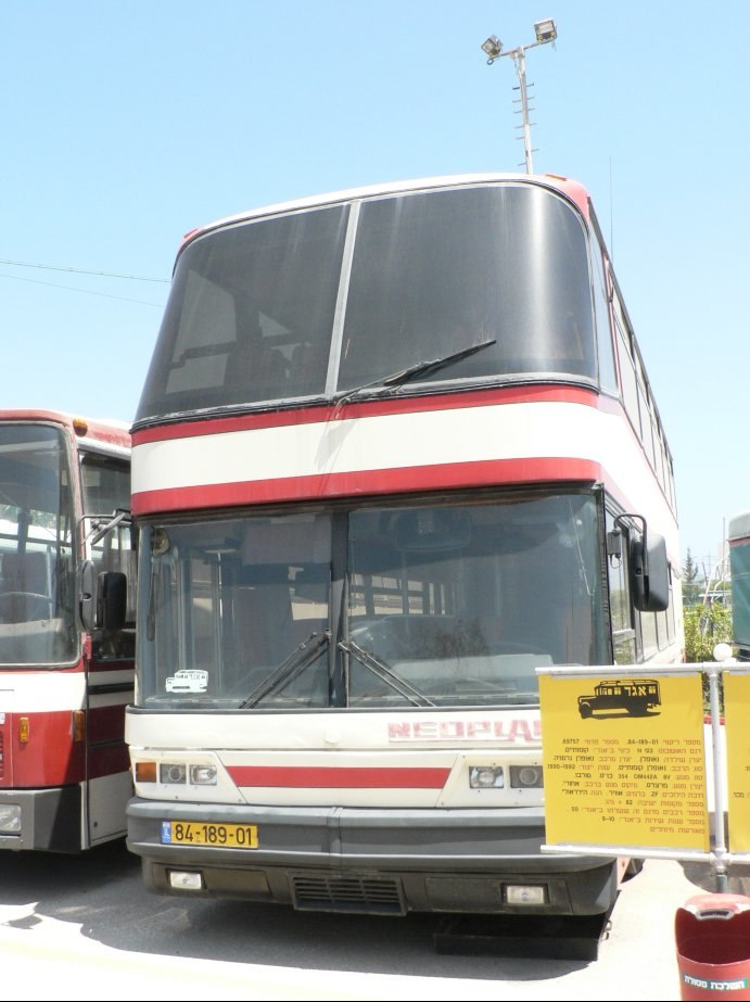 Twostroiesbus01