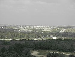 Shoham from telhadid.JPG