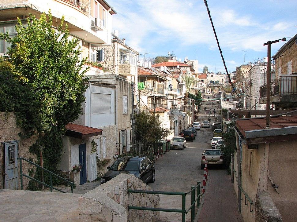 רחובהמדרגות-בשכונתנחלאות