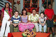 דמויות העונה השביעית(מימין לשמאל: סי.ג'יי, לוסי, בריאן, סופי, ג'וש והארי)
