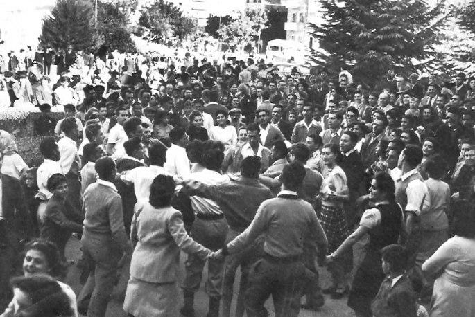 Jew dancing hora 29.11.47