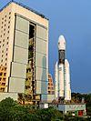 भूस्थिर उपग्रह प्रक्षेपण यान संस्करण 3 व्हीकल एसेम्बली बिल्डिग से बाहर निकलते हुए।