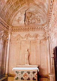 GOTIČKA ARHITEKTURA 200px-Trogir-_Unutra%C5%A1njost_krstionice_katedrale