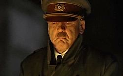 Bruno Ganz mint Adolf Hitler