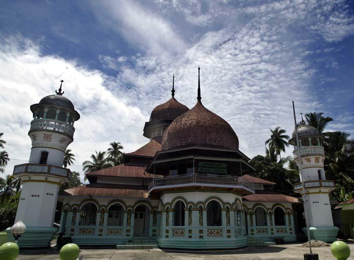 MasjidRayaSyekhBurhanuddinWikipediaBahasaIndonesia